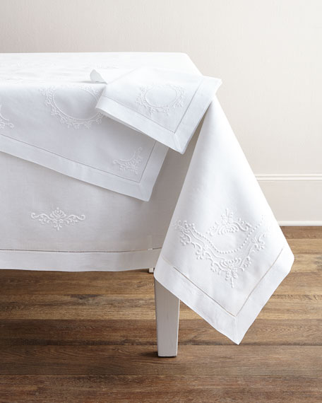 Boutross Imports Italian Crest Table Runner