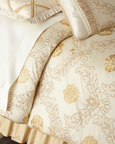 Austin Horn Collection Coronado Floral King Comforter