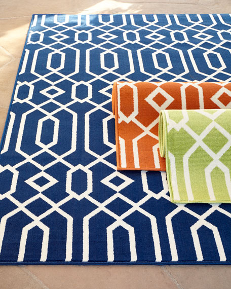 Geometric Twist Indoor/Outdoor Rug, 7'10