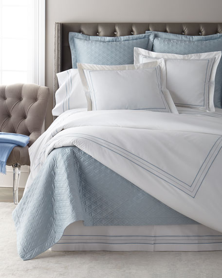 Triad Queen Duvet Set