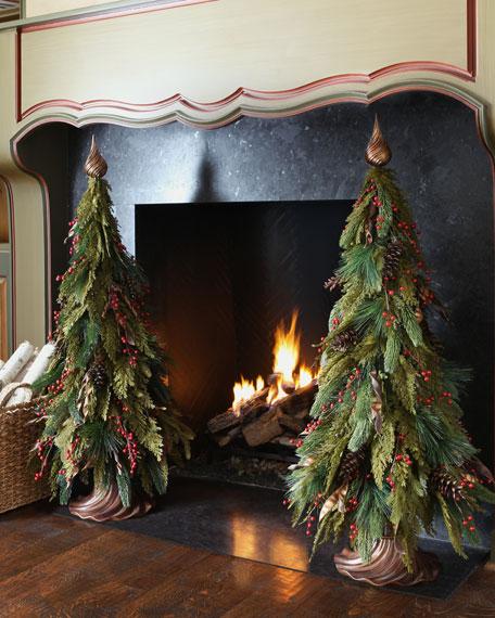 Pine Cone & Berries Mini Christmas Tree