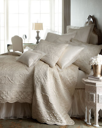 Tudor Bedding