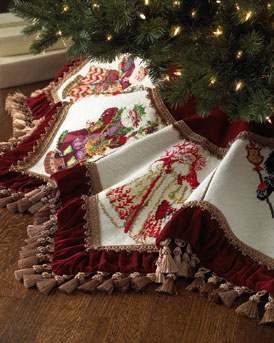 Santa Claus Needlepoint Christmas Tree Skirt
