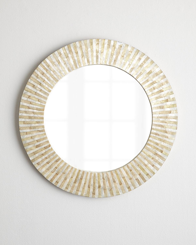 Hillary Mirror, Natural