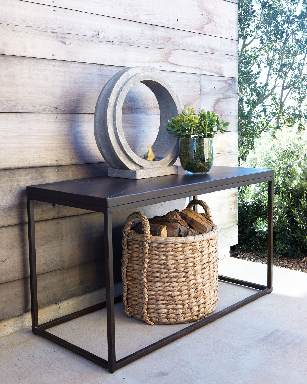 Industrial Renaissance Outdoor Console, Black