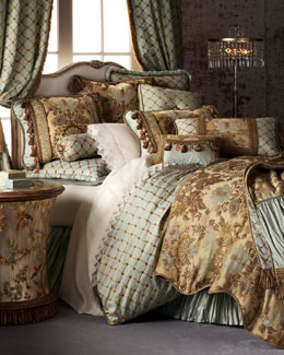 Petit Trianon Bedding