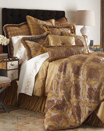 King Medallion Scroll Duvet Cover, 108